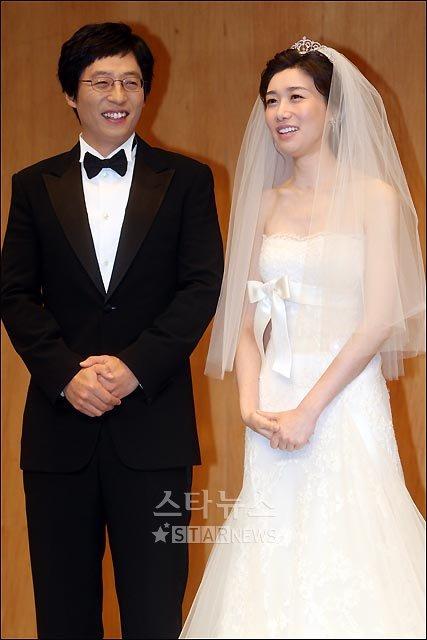 [★포토]'행복한 미소' 유재석-나경은 커플