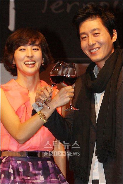 [★포토]한혜진-김주혁 '사랑을 부르는 와인'