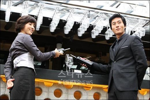 [★포토]한혜진 -김주혁 '와인 한잔 하실래요'