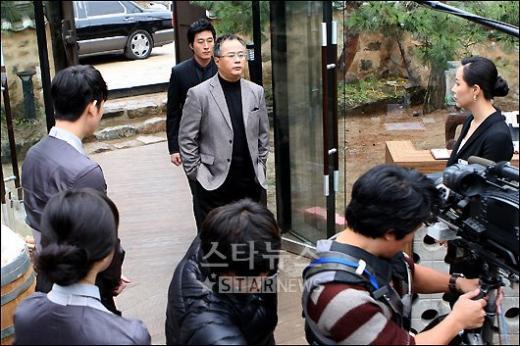 [★포토]'떼루아' 촬영현장, '감정 몰입 중이에요'