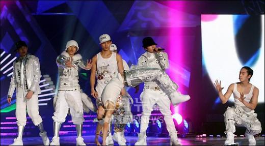 [★포토]2PM의 파워풀한 무대