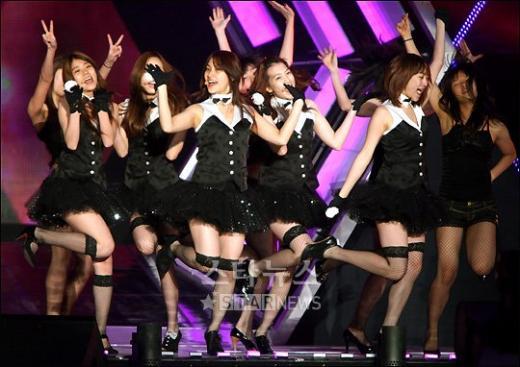 [★포토]카라의 깜찍한 댄스