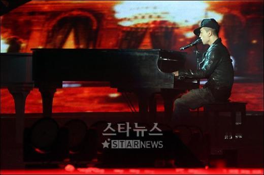 [★포토]빅뱅 태양 '감미로운 피아노 연주'