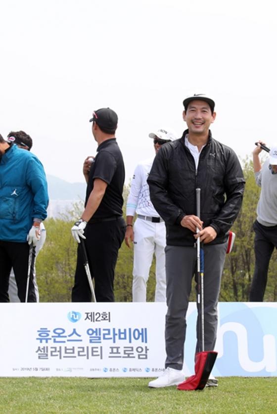 니어핀 대결 우승자 배우 박정철./사진=KPGA