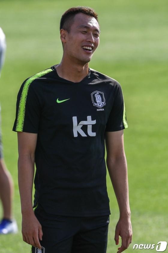 지난 7일 이스탄불에서 실시한 훈련 도중 웃음을 보이고 있는 김신욱. /사진=뉴스1