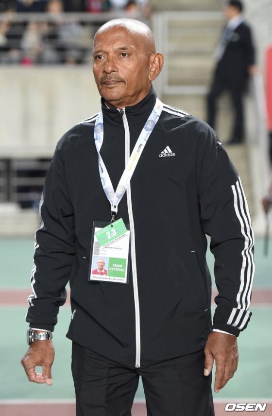 모하메드 니잠 파키르 알리 스리랑카 감독.