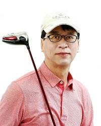 골프 서적 열독으로 무료함 달래기