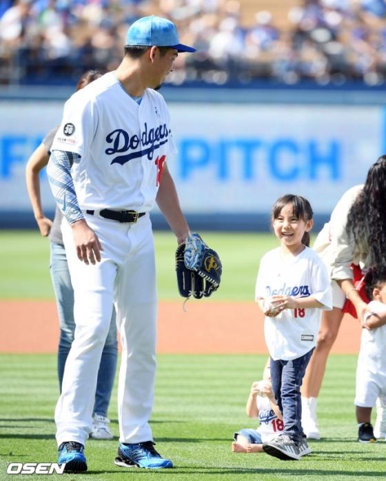 마에다 겐타와 그의 딸(오른쪽).