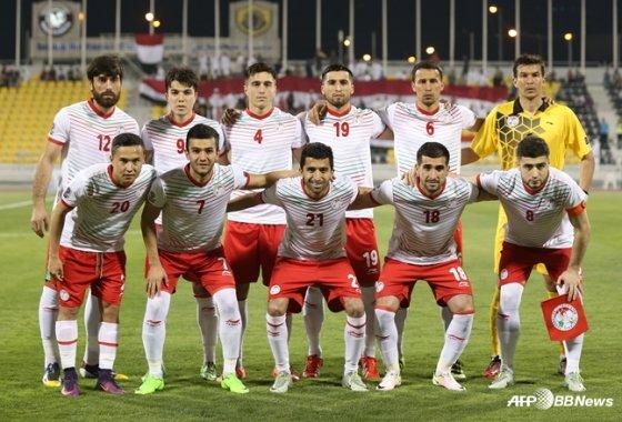 지난 2017년 예멘과 2019 아시안컵 예선에 나섰던 타지키스탄 국가대표팀. /AFPBBNews=뉴스1