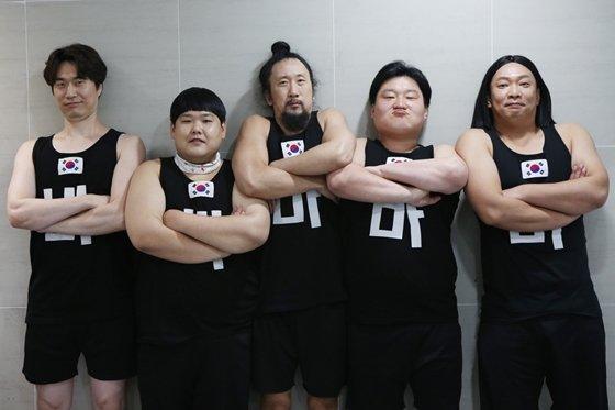 KBS 2TV \'개그콘서트\' 코너 \'바바바 차력단\'의 송준석, 김수영, 서남용, 배정근, 박준형(사진 맨 왼쪽부터 오른쪽으로)/사진제공=\'개그콘서트\'