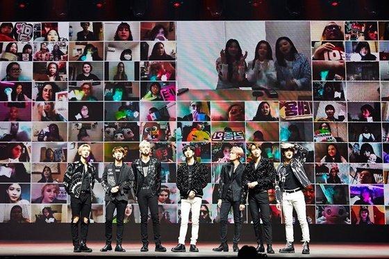 세계 최초 온라인 유료 콘서트 \'비욘드 라이브\'를 개최한 그룹 슈퍼엠 /사진제공=SM엔터테인먼트
