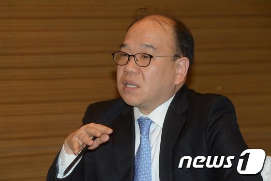 한국프로야구선수협회 사무총장 시절 김선웅 변호사.  /사진=뉴스1