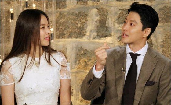 2018년 12월 13일 방송된 KBS 2TV \'해피투게더4\'의 조윤희, 이동건/사진=KBS 2TV \'해피투게더4\'
