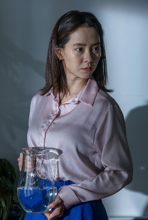배우 송지효 / 사진='침입자' 스틸컷