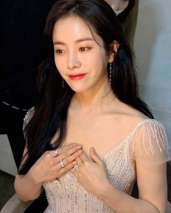 한지민, 순백 드레스 자태 극강 청순美 '여신 강림♡'