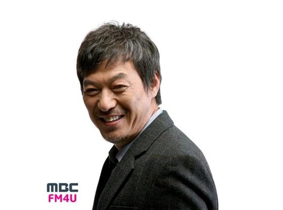 김갑수, 7년 만에 라디오 나들이..'골든디스크' 출연