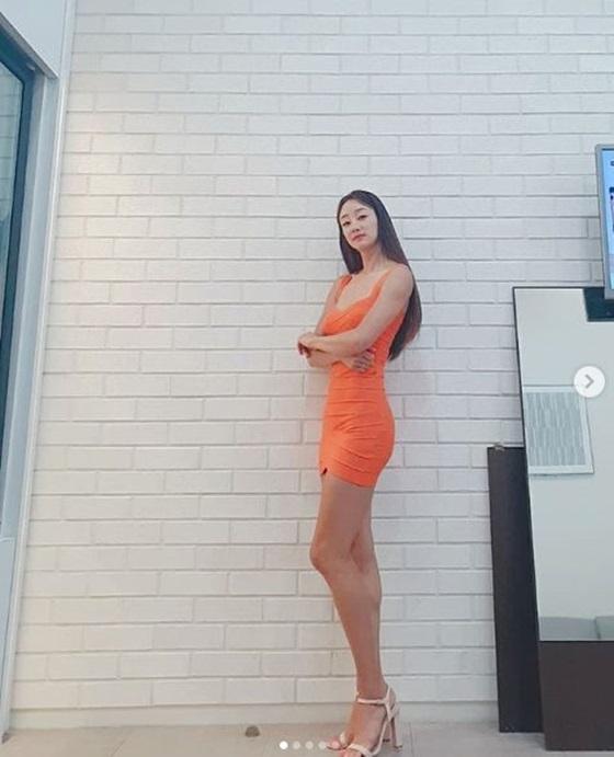 최여진, 美친 몸매로 시선 강탈 ''190cm설 사실 아냐''