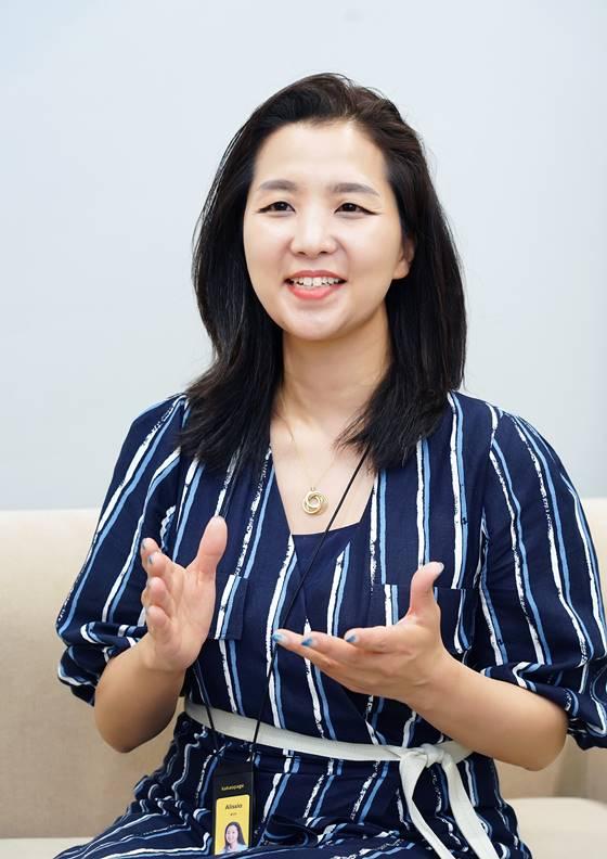 """카카오페이지 홍민영 부사장 """"CJ 글로벌 경험..스토리엔터 지향""""(인터뷰①)"""