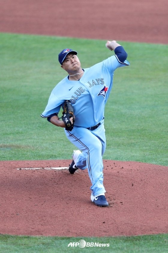 류현진이 12일(한국시간) 마이애미전에서 공을 던지고 있다. /AFPBBNews=뉴스1