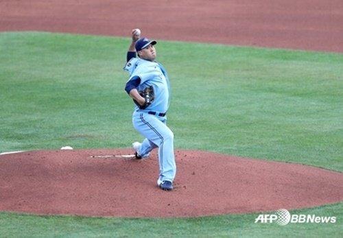 12일(한국시간) 마이애미를 상대로 투구하는 류현진. /AFPBBNews=뉴스1