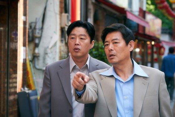 /사진=영화 \'담보\' 성동일, 김희원 스틸