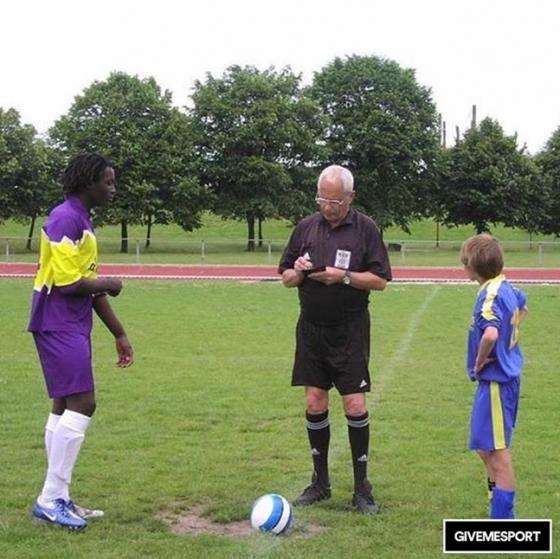 13세 때의 루카쿠(왼쪽)./사진=영국 기브미스포츠 인스타그램