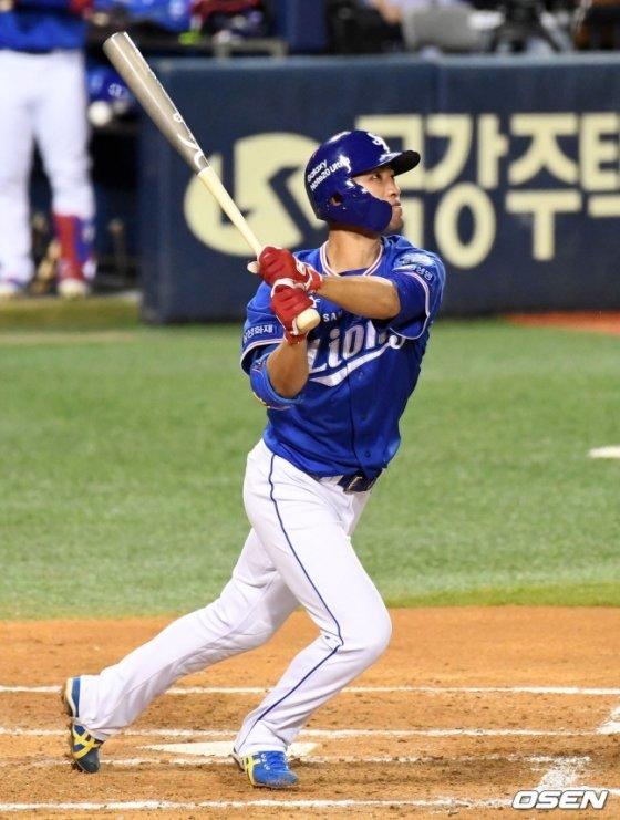 데뷔 첫 홈런을 터뜨린 삼성 라이온즈 강한울.
