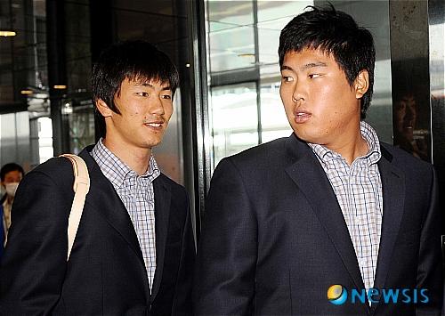 2009년 월드베이스볼클래식(WBC) 대표팀 시절 류현진(오른쪽)과 김광현. /사진=뉴시스