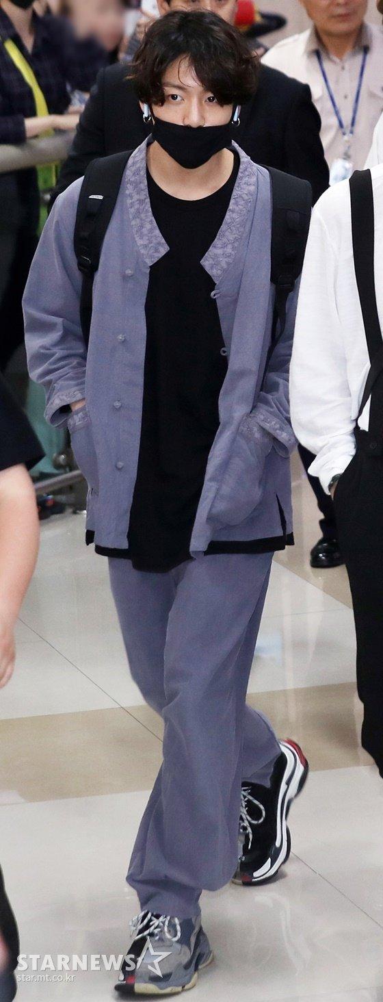 생활 한복을 입은 방탄소년단 정국(BTS JUNGKOOK) /사진=스타뉴스