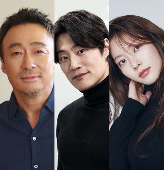 이성민, 이희준, 공승연 등이 출연한 영화 '핸섬 가이즈' 스태프가 코로나19 확진자와 접촉해 촬영이 중단됐다.