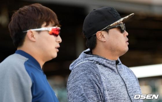 지난 2019년 2월 NC 스프링캠프지에서 만난 나성범(왼쪽)과 류현진.