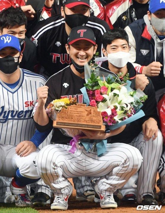 박용택(가운데) 해설위원의 LG 선수 시절 모습.