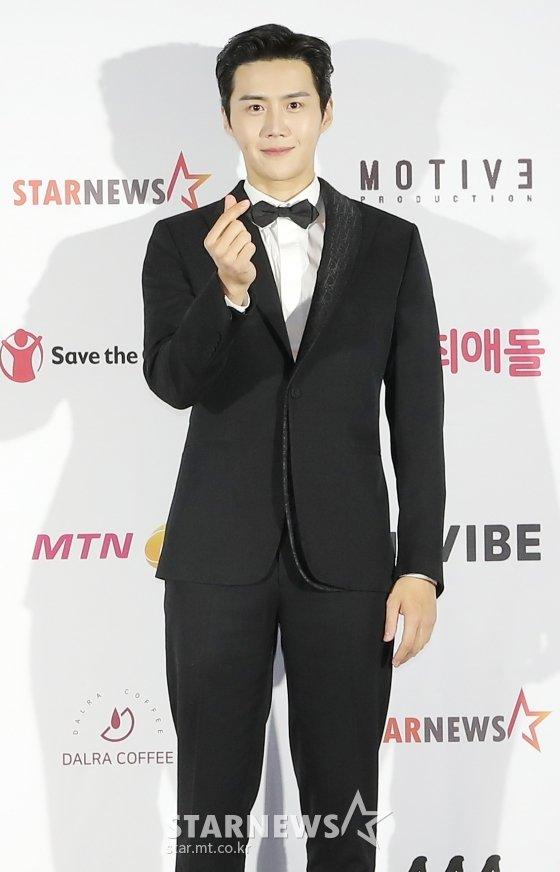 2020 Asia Artist Awards(2020 아시아 아티스트 어워즈, 2020 AAA)에서 배우 부문 이모티브상을 수상한 배우 김선호/사진=김창현 기자 chmt@