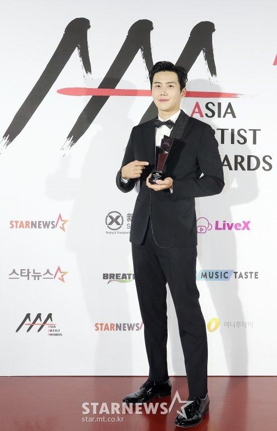 2020 Asia Artist Awards(2020 아시아 아티스트 어워즈, 2020 AAA) 배우 부문 이모티브상 수상자 배우 김선호/사진=김창현 기자 chmt@