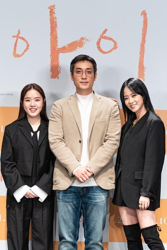 김향기, 김현탁 감독, 류현경 /사진제공=롯데엔터테인먼트