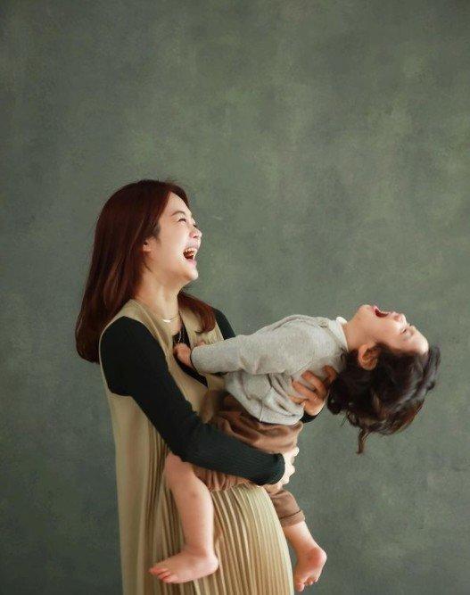 채림과 아들 이든 / 사진출처=채림 공식 SNS