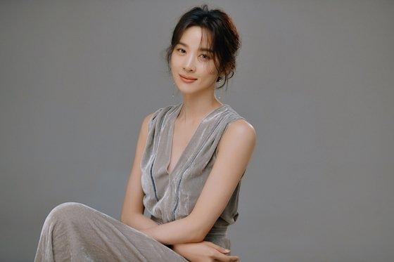 배우 이청아/사진=킹스랜드