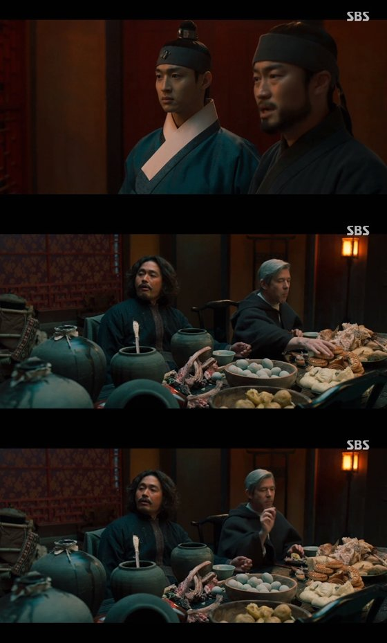 SBS 월화드라마 '조선구마사'에 월병 등 중국 음식이 등장해 역사 왜곡 논란이 불거졌다/사진=SBS '조선구마사' 1회 방송 화면 캡처