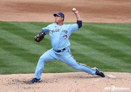 류현진이 2일(한국시간) 뉴욕 양키스전에서 투구하고 있다.  /AFPBBNews=뉴스1