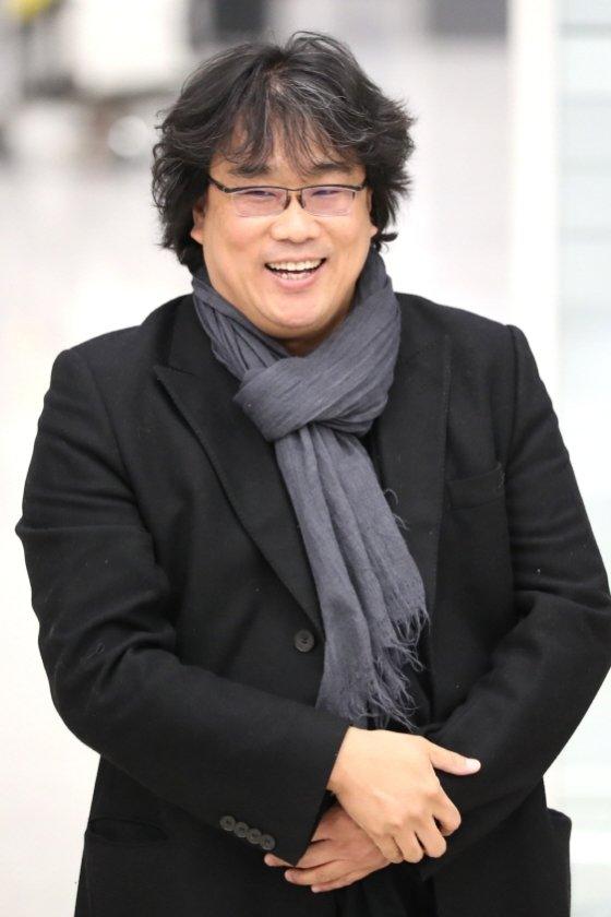 봉준호 감독이 삼성호암상 상금 3억원을 독립영화 발전을 위해 기부하기로 결정했다.
