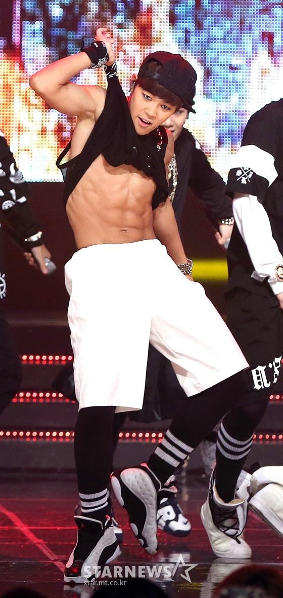 2013년 6월 27일 Mnet '엠카운트다운' 무대에서 공연 중인 방탄소년단 지민(BTS JIMIN) /사진=스타뉴스