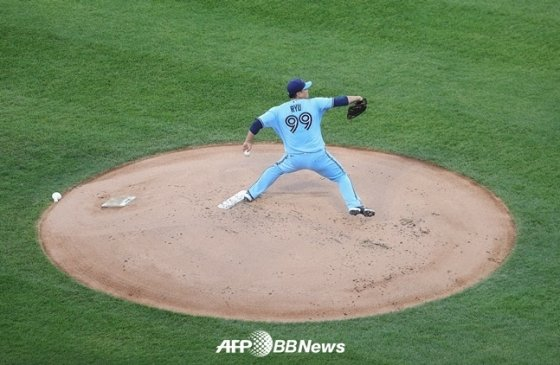 류현진이 11일(한국시간) 시카고 화이트삭스를 상대로 공을 던지고 있다. /AFPBBNews=뉴스1