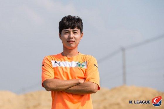 강원FC 시절 정석화. /사진=한국프로축구연맹