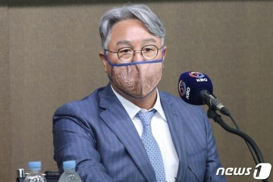도쿄올림픽 최종 명단을 발표하는 김경문 감독./사진=뉴스1