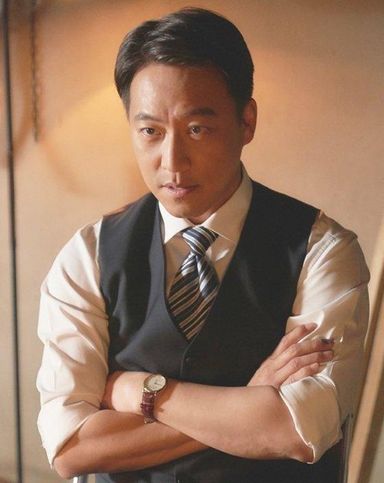 KBS 2TV 월화드라마 '오월의 청춘'에서 황기남 역을 맡은 오만석/사진=이야기 사냥꾼