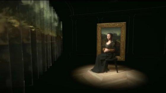VR 전시회, 모나리자: 유리 너머로(Mona Lisa: Beyond the Glass), Louvre, Paris, 2019.  사진제공= Tech World, YouTube: HTC recreates Mona Lis in 3D, via Wikimedia Commons.