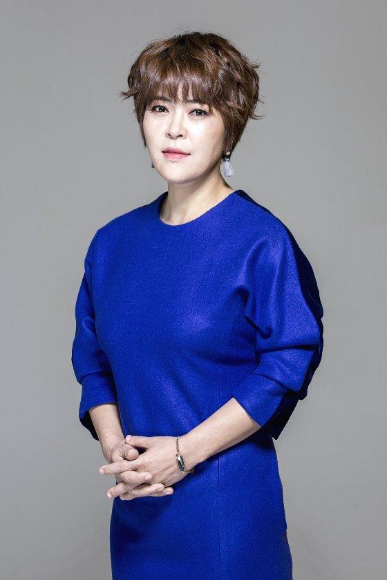 코미디언 겸 가수 조혜련/사진=조이컬쳐스