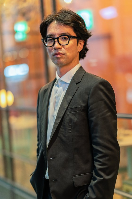 영화 '기적'을 연출한 이장훈 감독 /사진제공=롯데엔터테인먼트