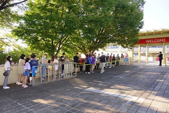 10일 대구 실내체육관에서 열린 대구 한국가스공사와 안양 KGC전 입장을 위해 줄 지어 기다리고 있는 팬들. /사진=KBL