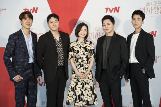 유연석, 김대명, 전미도, 조정석, 정경호 /사진제공=tvN
